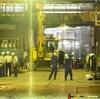 ビル工事現場の5階から地下3階に転落、3人死亡 東京