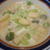 空豆とブロッコリーのチーズミルク白菜ベーススープニョッキ