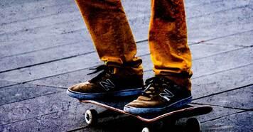 ニューバランスヌメリックのスケートボードシューズを紹介します。