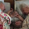 永遠の別れが間近に迫り…妻の手を離さない100歳のおじいちゃんが切ない