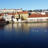 カレル橋から見るプラハの美しい街並み