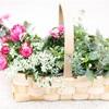 お花を摘みに行った日の花かご、風な寄せ植え