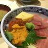 せっかく東京にいるから、築地に朝ごはんを食べに行ってきた