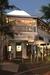 バイロンベイのおすすめオイスタバー「Balcony Bar & Oyster Co」。生牡蠣のディナー。