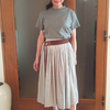 ふんわりキラキラのプリーツスカート1枚でオン・オフを切り替え