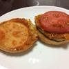 自分で撮ったハンバーガーの写真は不味そうにしか見えないwww