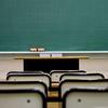 教室の空席の位置がおかしい