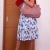 ミモレ丈のスカートコーディネートとユニクロ、無印プラス赤いバッグ