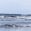 ウインターサーフ物語。「ランチタイムを潰して走った海はウネリを上げつつランチタイムを潰してやってきたサーファーをあたたかく迎える」の巻。
