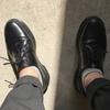 お出かけに革の靴を。「Dr.Martens」のシューズ