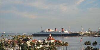 クィーンメリー号の乗船記:チャーチルから著名人まで乗船した世界最大級の客船