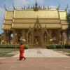 23番〖タイの金閣・銀閣〗川沿いにあったタイの金閣寺