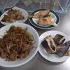 幸運な病のレシピ( 1929 )朝:エラメ(生ホッケ)焼・煮つけ、スケソウ鱈醤油漬け焼き、鮭、牛炒め、味噌汁、マユのご飯