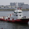 東京みなと祭2018で公開されていた消防艇「おおよど」とミサイル護衛艦「はたかぜ」
