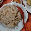 小松市平面、中華料理紅蘭のほんのりピンクな炒飯と大盛りな肉の天ぷら