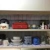 【DIY】ダイソーのリメイクシートでキッチンの吊り戸棚をセルフリノベーションしました。【ビフォーアフターあり】
