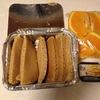 カナダの小学校で頼んだパンケーキのお弁当です。