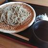 石川県羽咋市にある蕎麦の有名店、そば切り多門でざるそばとそばがき。