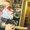 髭剃りってのは大事な儀式だよ