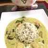 ココナッツミルクがあった!ということでタイのグリーンカレーの夕食