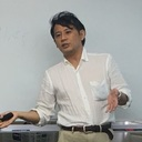 「科学」と「ココロ」を活用した「幸せなお金持ち」になるための教育プロデューサー YOSHI