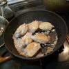 幸運な病のレシピ( 127 ) 手羽先塩釜焼風(偶然)、ベーコンセロリ炒め、汁