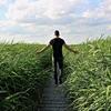 「最強の暗記方法!?」歩きながらの学習がどれほど効果的かを科学的根拠から考えてみる