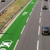 走行するだけで電気自動車が充電できる道路
