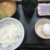 定食春秋(その 86)こだわり卵とん汁朝定食