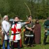 中世のロングボウとクロスボウ どちらが強いか
