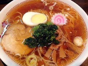 新宿で破格のラーメン1杯400円!人気の製麺所直営店「光来」の昔なつかしい中華そば