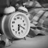 夜更かし後、遅寝遅起きのデメリット