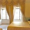 ナポリのおすすめホテル、Hotel Art Resort Galleria Umberto(ホテルアートリゾートガッレリアウンベルト)の客室