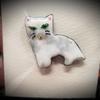 ファロ「猫のブローチ」