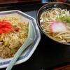 石川県小松市の住宅街にある食堂、はにう食堂で小松うどんと焼きめしのセットランチ。