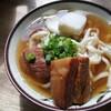 きしもと食堂八重岳店に行ってきた。本部にある人気の沖縄そば店。