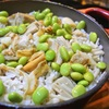 ホタテとエノキ、枝豆の炊き込みご飯