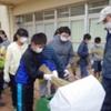 上瀬谷小学校の脱穀作業を実施しました。