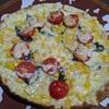 市販のピザはちょい足しでボリューム&美味しさアップ