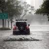 超大型ハリケーン「イルマ」、米フロリダ上陸 3人死亡