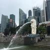 シンガポールでマーライオン。子マーライオンも実はいる。