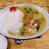 沖縄市・麺家しゅんたくで「次郎系油そば」と「黄色いカレー」を食べてきた。