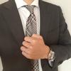 ブラウンカラーのスーツを使ったコーディネートのポイント!