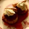 生牛乳から取れる生クリームはFortnum&Masonのクロテッドクリームとそっくりな味がします[オールドファッション・ストロベリーショートケーキ]