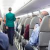 飛行機で「座席を倒さない」日本人がトップ。ホメられる事だろうか。