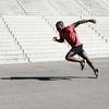 脚のリカバリーは、次のストライドに向けて素早く姿勢を変えることを可能にするのか?(遊脚期中の脚の動作スピードを増加させると、次の接地が早く発生しうるために、水平変位率が総合的に増大するとされている)