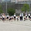 2・4年生:運動会ペア練習③ 4年生徒競走