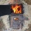 炭焼き窯を内側から焼いていく仕上げの日