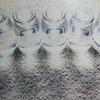 ウールは湿気を吸収します。ウール織じゅうたんと和紙壁紙のある空間