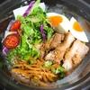 RF-1「鶏ごまチャーシューの中華麺香味醤油ダレ」